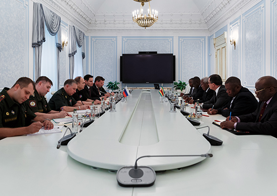 Deputy Defence Minister Anatoly Antonov held a meeting with Minister of Defence of Zimbabwe Sidney Sekeramayi